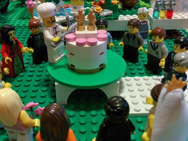 Time for wedding cake!